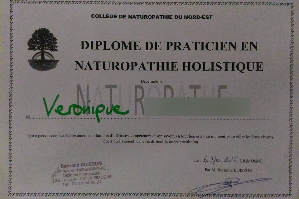 584859bfec7a6_Photo diplôme.jpg